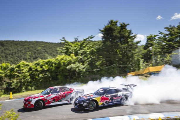 Mad Mike Whiddet battles Andy Gray in the top 32 battles at the formula drift championship Ebisu circuit, Ebisu Japan on June 11, 2017 // Miles Holden / Red Bull Content Pool // P-20170613-00438 // Usage for editorial use only // Please go to www.redbullcontentpool.com for further information. //